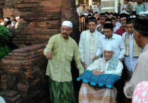 Kerukunan Umat Beragama dalam Tafsiran KH Ahmad Sya'roni